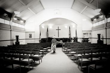 DC_ARC_Woman_in_church